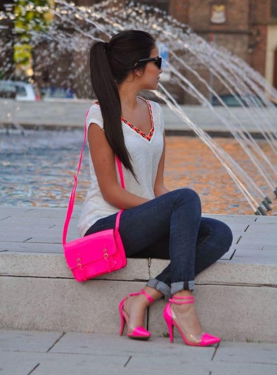 10-Look-con-cartera-fucsia