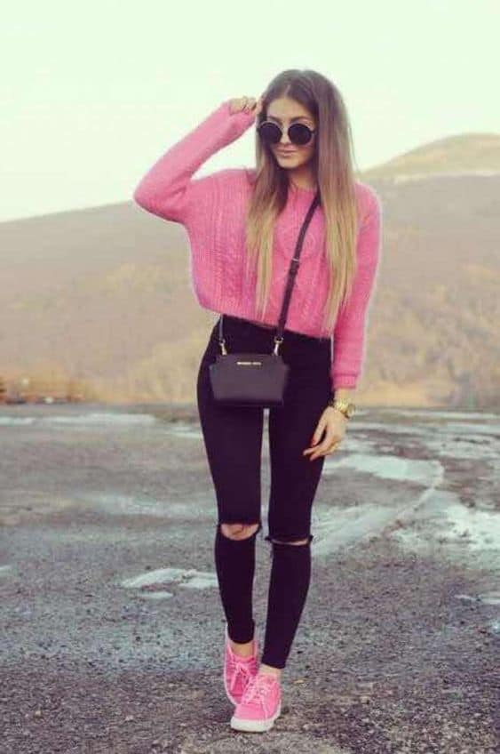 7-Look-con-suéter-color-rosa